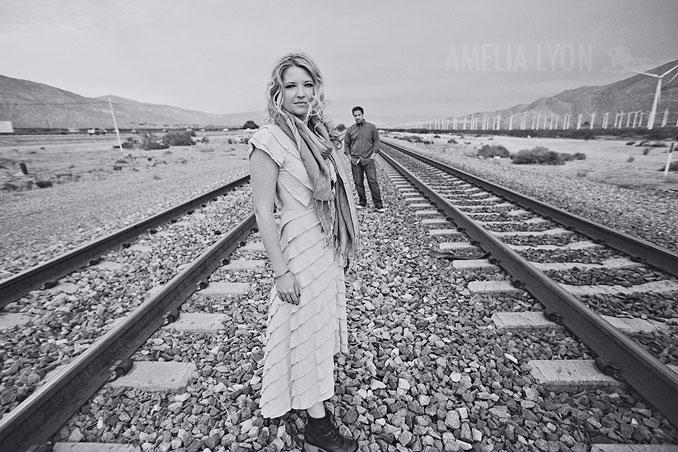 dinosaur_engagement_portraits_desert_windmills_amelia_lyon_photography0017.jpg