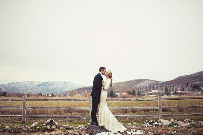 winter_bridal_portraits_utah_bride_0016.jpg