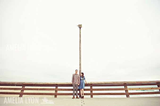 engagementsession_newportbeach_california_pier_amelialyonphotography_001.jpg