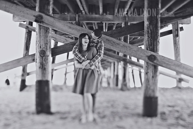 engagementsession_newportbeach_california_pier_amelialyonphotography_005.jpg