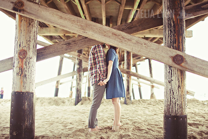 engagementsession_newportbeach_california_pier_amelialyonphotography_006.jpg