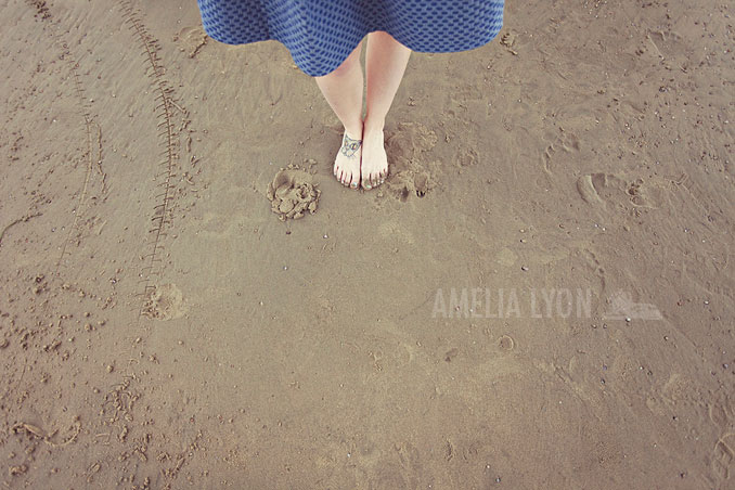 engagementsession_newportbeach_california_pier_amelialyonphotography_008.jpg