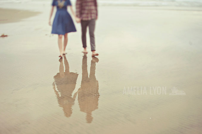 engagementsession_newportbeach_california_pier_amelialyonphotography_013.jpg