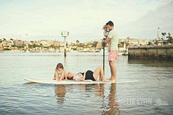 maternityportraits_orangecounty_paddleboard_jill_amelialyonphotography_001.jpg