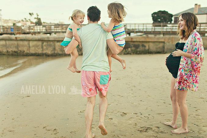 maternityportraits_orangecounty_paddleboard_jill_amelialyonphotography_004.jpg