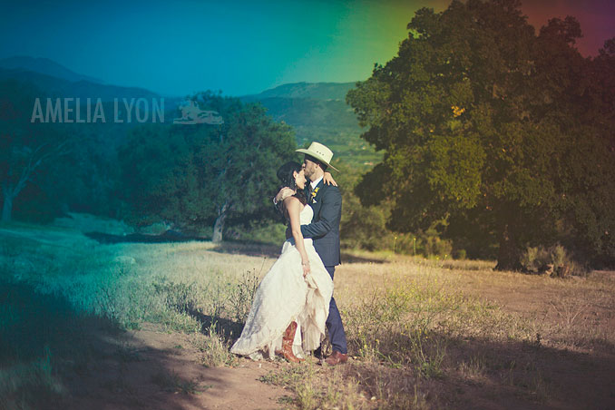 ojai_wedding_californiawedding_amelialyonphotography_gbwed_colorfulwedding_001.jpg