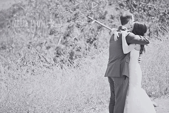 ojai_wedding_californiawedding_amelialyonphotography_gbwed_colorfulwedding_011.jpg