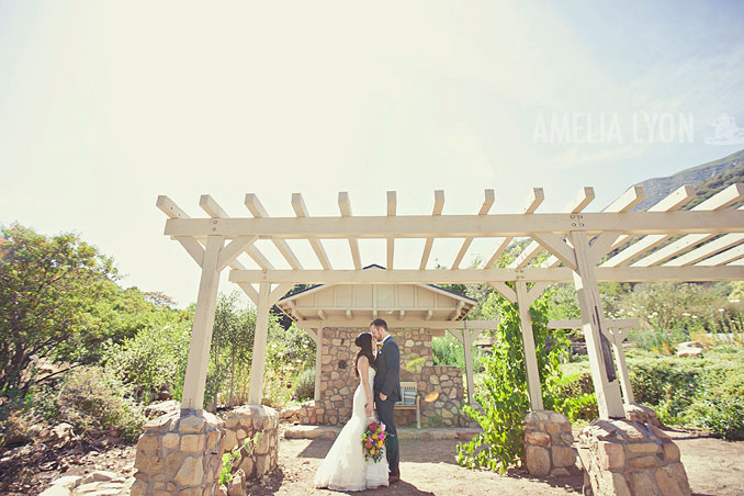 ojai_wedding_californiawedding_amelialyonphotography_gbwed_colorfulwedding_020.jpg