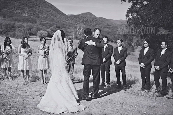 ojai_wedding_californiawedding_amelialyonphotography_gbwed_colorfulwedding_030.jpg