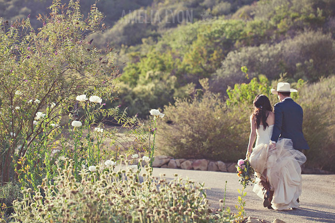 ojai_wedding_californiawedding_amelialyonphotography_gbwed_colorfulwedding_037.jpg