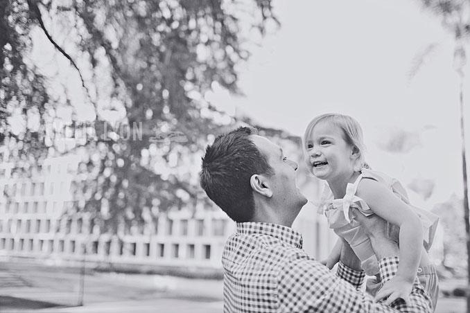 pasadena_familyportraits_amelialyonphotography_edrisfamily_017.jpg