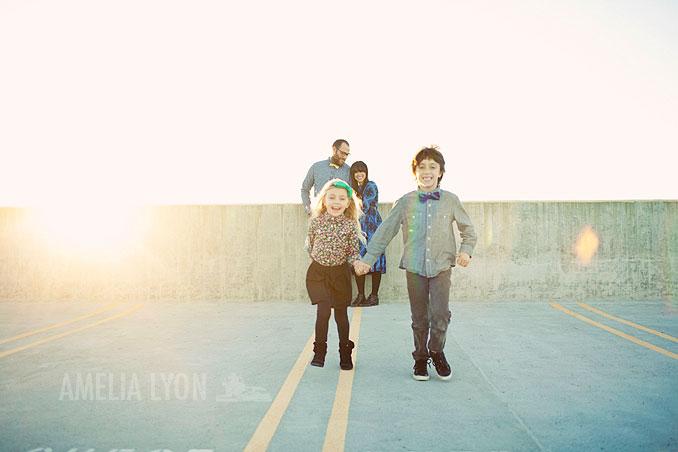 sloan_family_portraits_parkinggarage_amelialyonphotography_orangecounty005.jpg