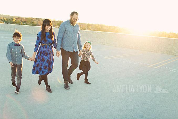 sloan_family_portraits_parkinggarage_amelialyonphotography_orangecounty007.jpg