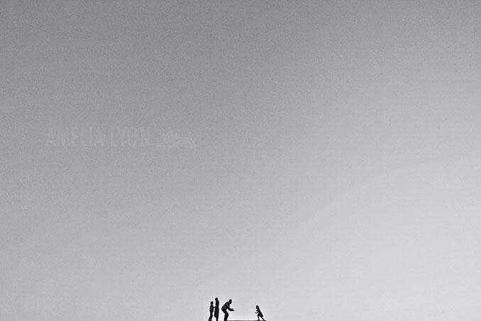 sloan_family_portraits_parkinggarage_amelialyonphotography_orangecounty010.jpg