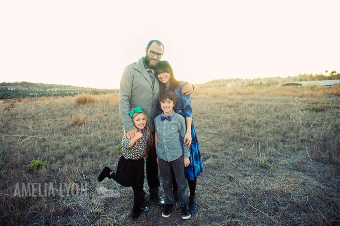 sloan_family_portraits_parkinggarage_amelialyonphotography_orangecounty014.jpg