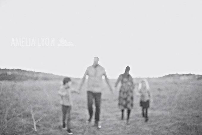sloan_family_portraits_parkinggarage_amelialyonphotography_orangecounty021.jpg