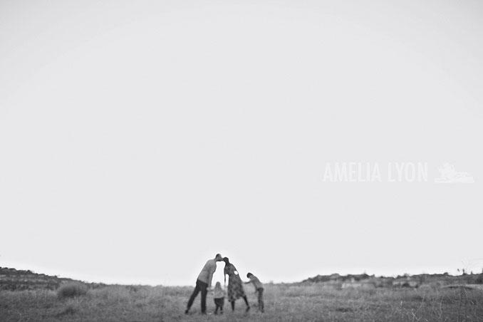 sloan_family_portraits_parkinggarage_amelialyonphotography_orangecounty024.jpg